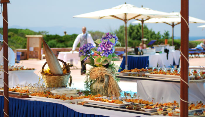 Advice: how to set up a wedding banquet by the sea